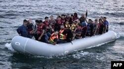 Սիրիացի փախստականները մակույկով՝ Միջերկրական ծովում, 18-ը հունիսի, 2015թ․
