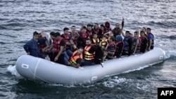 Сирійські біженці прямують до Греції Середземним морем, фото архівне