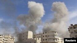 حمله هوایی ارتش به شهر معرةالنعمان در استان ادلب در شمال سوریه.