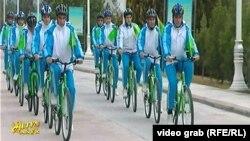 Массовый велопробег в Туркменистане.