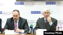 Philip Remler (OSCE) și Valeriu Zubco, Procurorul General (Foto:Ecaterina Leuca)