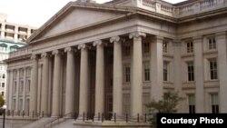 Вид на здание министерства финансов США.