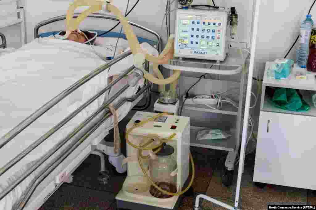 Каждый день в больницу поступают более 30 пациентов с признаками COVID-19