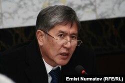 Алмазбек Атамбаеў