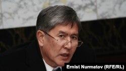 Киргистанскиот премиер Алмазбек Атамбаев