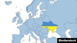 Harta e Evropes me territorin e Ukrainës të mbuluar me ngjyrat kombëtare të saj (Ilustrim)
