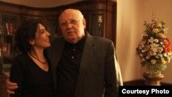 Акс баъди наворгирии филме дар бораи президенти Иттиҳоди Шӯравӣ Михаил Горбачев гирифта шудааст