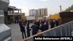 Фото с места обрушения строящегося дома. Бишкек, 23 октября 2017 г.