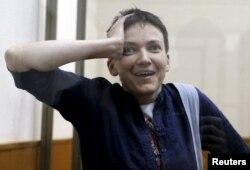 Надежда Савченко в суде Донецка во время оглашения приговора, март 2016 года