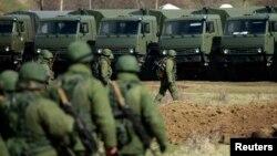 Російські військові в Криму, Сімферополь, 17 березня 2014 року