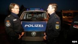 Policët gjermanë në kufirin Serbi - Hungari, 13 shkurt 2015