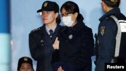Հարավային Կորեա - Չխվե Սուն Սիլը դատարանում, 13-ը փետրվարի, 2018թ․