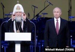 Патриарх Кирилл и Владимир Путин
