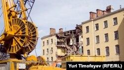 """Несмотря на протесты, """"Дом Кольбе"""" на Якиманке был полностью разрушен 2 мая 2011"""