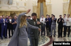 Лиза Пескова сплясала с Рамзаном Кадыровым лезгинку