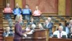 Vučić se izvinio Mogerini zbog skandiranja 'šešeljevaca'