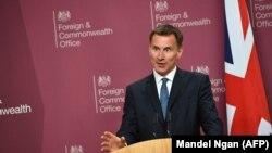 جرمی هانت یکی از دو نامزد مطرح حزب محافظهکار برای احراز پست نخستوزیری بریتانیاست.
