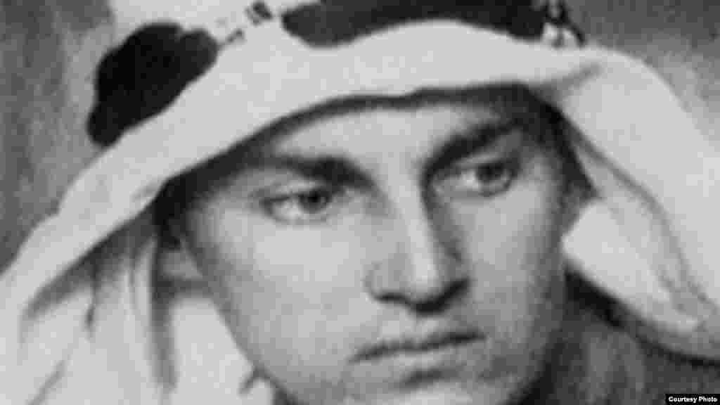 آرمین تی وگنر، نویسنده، شاعر، عکاس و سرباز آلمانی. عکس های وگنر جهان را از وضعیت ارمنی های در سال های جنگ جهانی اول در امپراطوری عثمانی آگاه ساخت