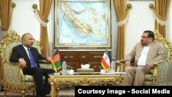 دیدار حنیف اتمر مشاور امنیت ملی افغانستان با علی شمخانی همتای ایرانی اش.