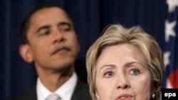 Номзадшавандаҳои президентӣ аз Ҳизби демократи Иёлоти Муттаҳида. Аз рост, Ҳилларӣ Клинтон ва Барак Обама.
