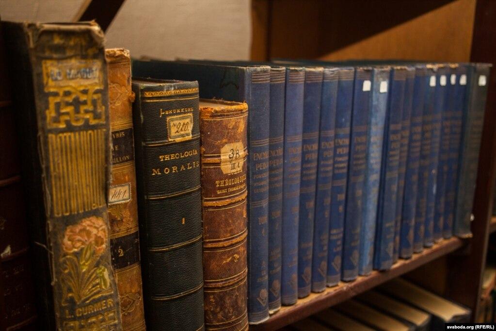 Кнігі брыгітак