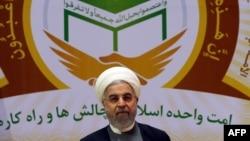 حسن روحانی که در بیست و هشتمین «همایش بینالمللی وحدت اسلامی» ۷ ژانویه ۲۰۱۵.