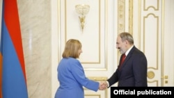 Armenian Prime Minister Nikol Pashinian meets with newly appointed U.S. Ambassador to Armenia Lynne Tracy, Yerevan, 22 March, 2019