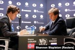 Magnus Carlsen və Sergey Karjakin