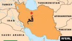 گزارش ها حاکيست که مردم درشهرهای تهران، اراک، گرمسار، ورامين، کاشان و استان مازندران نيز زمين لرزه را احساس کرده اند.