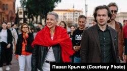 Марыя Калесьнікава з паплечнікамі да затрыманьня