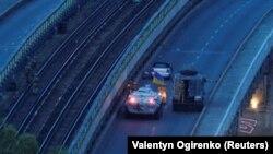 Спецоперация на мосту Метро в Киеве