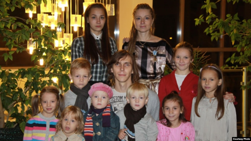 In Belarus, A Dedicated Mother Kills Herself, Leaving 11