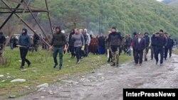 Противники строительства ГЭС были вооружены палками и булыжниками