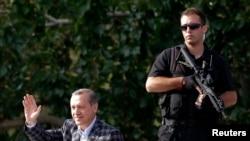 Премьер Эрдоган обращается к своим сторонникам