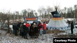 Открытие зимнего лагеря защитников Химкинского леса. 16 ноября 2011 года. © Игорь Подгорный / Гринпис