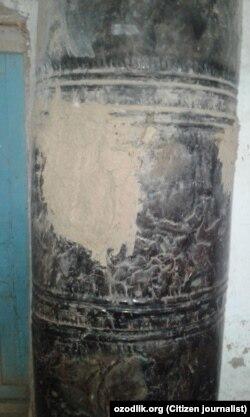 Старая печь в здании школы.