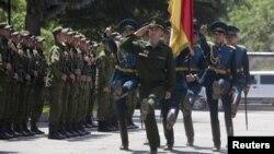 Военные Южной Осетии во время церемонии принесения присяги, Цхинвали. Иллюстративное фото.