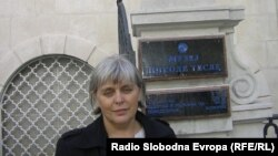 "Штефица Ујчиќ, професорка по физика во кумановската гимназија ""Гоце Делчев""."