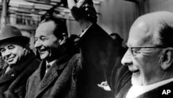 Зліва направо: перший секретар ЦК КПУ Петро Шелест, перший секретар Компартії Чехословаччини Александер Дубчек та перший секретар ЦК Соціалістичної єдиної партії Німеччини. Прага, 23 лютого 1968 року