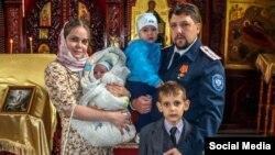 Юлия Сятрайкина с мужем и детьми