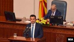 Лідер соціал-демократів Зоран Заєв виступає у парламенті Македонії в Скоп'є, 30 травня 2017 року