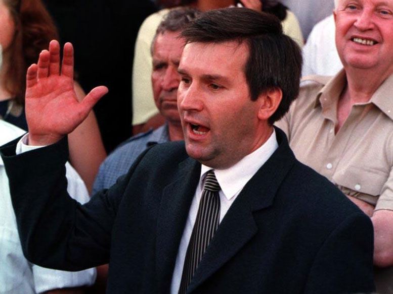 У 1999 годзе, незадоўга да зьнікненьня, Віктар Ганчар спрабаваў арганізаваць альтэрнатыўныя прэзыдэнцкія выбары, бо завяршаўся першы тэрмін Аляксандра Лукашэнкі, які ў 1996 годзе «абнуліў» сваё знаходжаньне ва ўладзе. Хто ня быў кандыдатам на тых выбарах?
