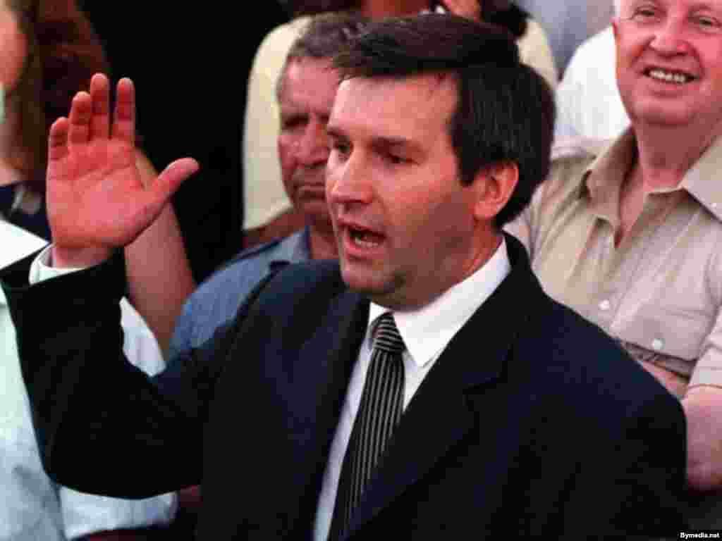 Віце-спікер Верховної Ради Білорусі Віктор Гончар, який безслідно зник у Мінську 16 вересня 1999 року разом із своїм другом бізнесменом Анатолієм Красовським.