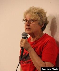 Видео-артист Марта Рослер, куратор показов (фото: Андрей Загданский)