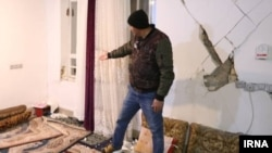 تصویری که خبرگزاری ایرنا از خسارتهای زلزله در یکی از روستاهای آذربایجان غربی منتشر کرده است