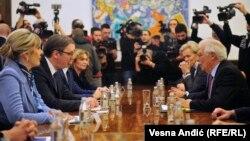 Predsednik Srbije Aleksandar Vučić na sastanku sa predstavnikom Evropske unije (EU) za spoljne poslove i bezbednosnu politiku Žozepom Borelom (Josep Borrell), Beograd, 31 januar 2020.