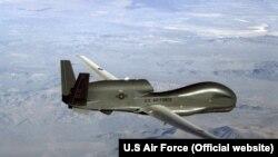 Аппарат беспилотного летательного комплекса ВВС США RQ-4 Global Hawk
