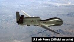 Безпілотний літальний комплекс ВПС США RQ-4 Global Hawk