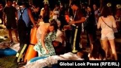 Pamje nga ndihma që u jepet të lënduarve në parkun zbavitës në Tajvan