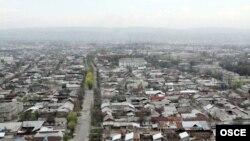 Pamje e qytetit Osh në Kirgizi